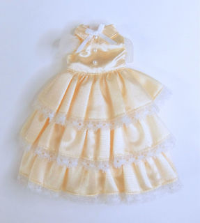 黄色ドレス1.jpg
